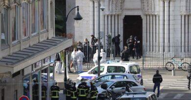 Nizza attentato terrorismo morti Notre Dame