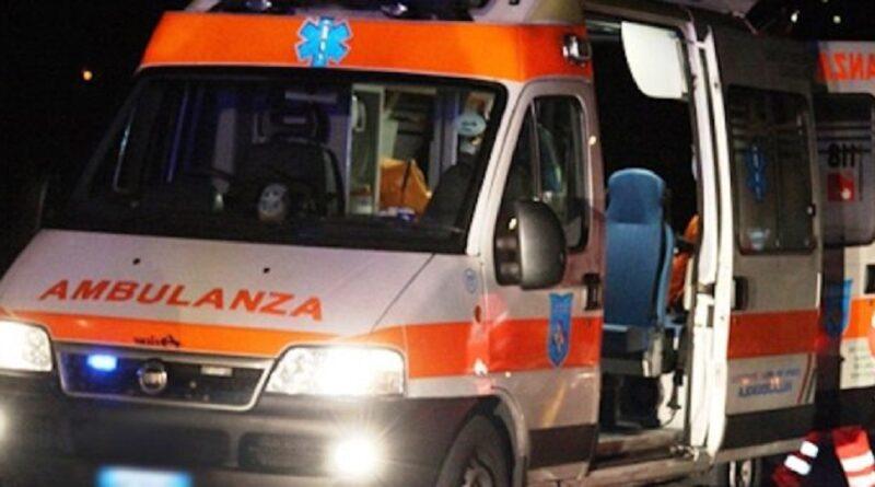 incidente mortale ambulanza notte