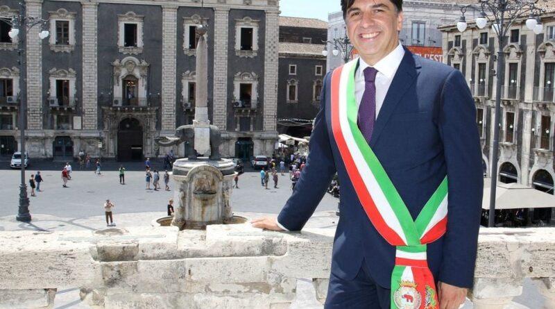 Pogliese sindaco Catania da Palazzo degli Elefanti