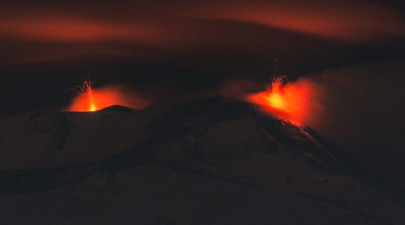 Doppia eruzione Etna