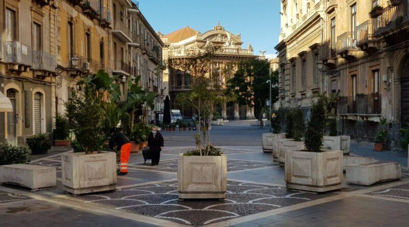 Piazza Teatro Catania pedonale