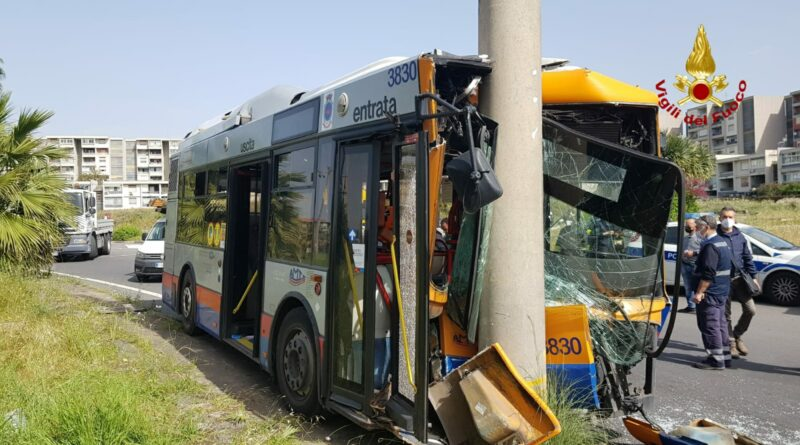 Bus Amt Catania incidente